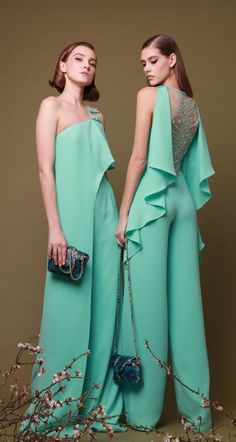 Georges Chakra Spring-summer 2019 - Ready-to-Wear - Cute Outfits Georges Chakra, Evening Gowns Couture, Evening Dresses, Looks Chic, Haute Couture Fashion, Designer Gowns, Mode Outfits, Fall Outfits, Betsey Johnson