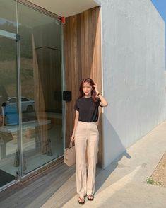 Korean Fashion Trends, Korea Fashion, Japan Fashion, 80s Fashion, Fashion 2020, Fashion Looks, Fashion Outfits, Korean Outfits, Retro Outfits