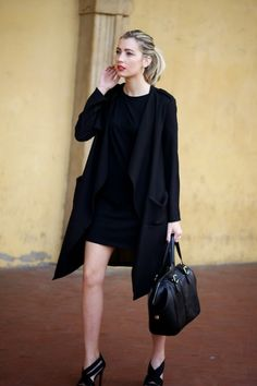 Total black chic