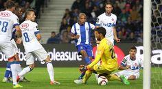 FC Porto-Belenenses Vitória sobre o Belenenses (4-0), com golos de Corona, Brahimi, Osvaldo e Marcano, permite manter liderança da Liga