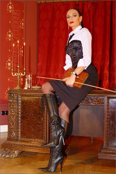 Slave dressage in the dungeon - 3 10