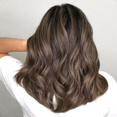 Best Hair Color Highlights Short Locks Ideas - All For Hair Color Trending Brown Hair With Blonde Highlights, Brown Hair Balayage, Hair Color Highlights, Bob Hair, Light Brown Hair, Medium Ash Brown Hair, Hair Medium, Light Hair, Brunette Hair