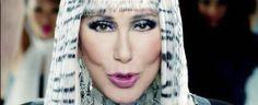 Cher revela que es perseguida por el fantasma de su ex marido Sonny Bono http://xurl.es/723n5
