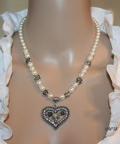Perlen Halskette Collier weiß mit Strass im Organzasäckchen 47cm Edelstahl Versc