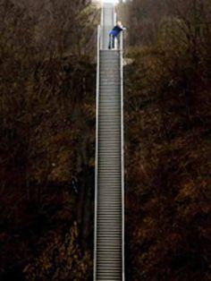Scala en latin a donné escalier - ©escalier pour le paradis 352 marches