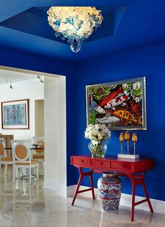 Palm Beach interior designer, award winning interior design, featured on HGTV, studied in Europe. Sleek traditional, contemporary and tropical design. Room Colors, House Colors, Blue Hallway, Deco Cool, Flur Design, Hallway Designs, Blue Rooms, Deco Design, Hallway Decorating