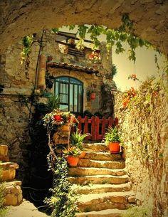 Retro cottage house Arezzo Tuscany