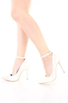 da5c6189897 These sexy and stylish single sole heels include a patent faux leather  upper with a pointed