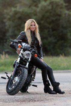 Trendy ideas for chopper motorcycle oldschool rat bikes Motorbike Girl, Chopper Motorcycle, Bobber Chopper, Motorcycle Outfit, Biker Chick Outfit, Women Motorcycle, Motorcycle Helmets, Lady Biker, Biker Girl