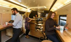 Starbucks dentro de un tren | www.todoestadelujo.com