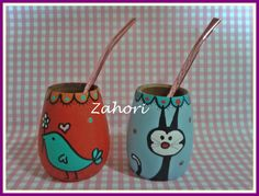 Mates de algarrobo pintados a mano Painted Flower Pots, Painted Pots, Sgraffito, Clay Pots, Diy And Crafts, Projects To Try, Sculptures, Stamp, Ceramics