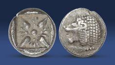 Historická mince vyražená před 2500 letyve starověkém Řecku. Minci zdobí milétský lev – znak starověkého města Milétu.  http://www.narodnipokladnice.cz/uvod/historicka-stribrna-mince-s-miletskym-lvem