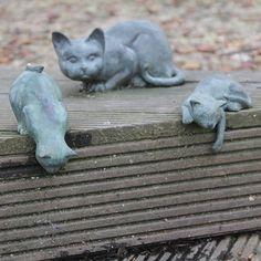 Sculptures in a park in Alingsås city Швеция Город Алингсос