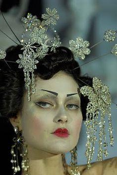 Geisha Christian Dior