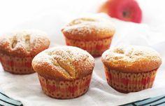 Man setter alltid stor pris på å få servert saftige kaker. Her er oppskrift på eplemuffins (eller cupcakes) med kanel, som er fint å ta med på dugnad, servere i barnebursdagen eller fryse ned og ha på lur til når du får overraskende besøk.