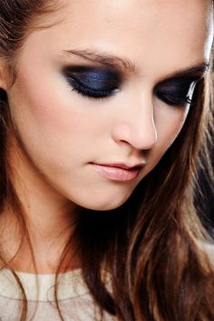 SOMEWHAT unusually for spring, heavy eye make-up was a big trend at the new season shows - with bold metallic eyes seen everywhere from Giorgio Armani to Just Cavalli. Blue Eye Makeup, Smokey Eye Makeup, Blue Eyeshadow, Beauty Make Up, Hair Beauty, Makeup Tips, Hair Makeup, Makeup Ideas, Smoky Eyes