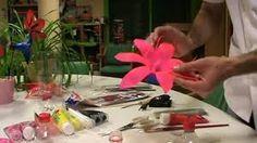 Resultado de imagen para flores con botellas de plastico