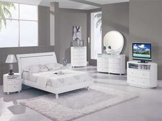 White bedroom ideas are the most favorite thing to do by some people who have the small bedroom space. Description from homedecoratinglover.com. I searched for this on bing.com/images