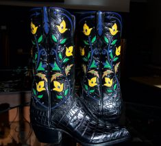 One of a Kind handmade cowboy boots with inlayed flowers and Swarovski crystals and matching black Hornback alligator tails. Art Boots, Men's Boots, Calf Leather, Leather Boots, Custom Cowboy Boots, Cowgirl Boots, Alligator Boots, Ostrich Boots, Motorcycle Boots