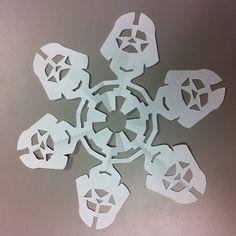 DIY Darth Vader Snowflake by mattersofgrey ##Paper_Snowflake #Star_Wars #mattersofgrey #DIY