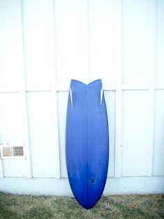 Twin fin rocket