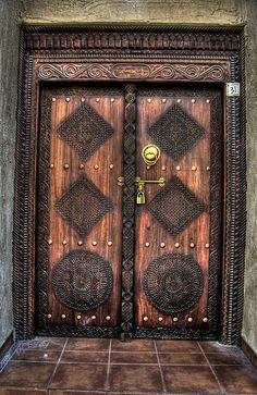The detailed designs on the door inspired me and i may use it for the coming pieces