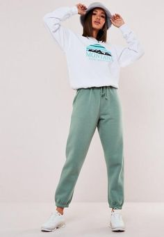 672 items - Give your dress the night off & shop our latest collection of women's trousers. From work trousers, cargo pants to leather trousers. Cute Comfy Outfits, Sporty Outfits, Retro Outfits, Fashion Outfits, Trousers Women, Pants For Women, Clothes For Women, Work Trousers, Futuristic Outfits