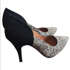 """HOT!! cheetah/black suede MADEWELL pumps Beautiful Madewell cheetah print and black suede pumps. 4"""" heel. Please note discoloration on the sole but these are otherwise in perfect condition and look SO sexy - wear them with skinny jeans or a dress and you will be . Madewell Shoes Heels"""