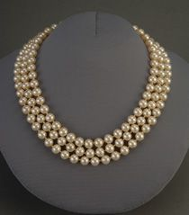 Jacqueline Kennedy's costume pearl necklace, designed by Kenneth Jay Lane.