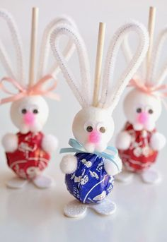 >>>Visit>> Over 33 Easter Craft Ideas for Kids to Make - These ideas are perfect for school spring or Easter parties preschool Sunday School or at home DIY crafts! Bunnies Chicks Eggs and Religious. Easter Gifts For Kids, Easy Easter Crafts, Easter Projects, Bunny Crafts, Crafts For Kids To Make, Kids Crafts, Egg Crafts, Craft Projects, Easter Ideas For Kids