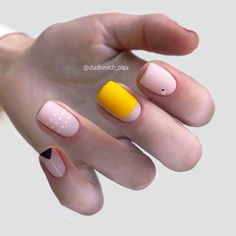 In search for some nail designs and some ideas for your nails? Listed here is our set of must-try coffin acrylic nails for trendy women. Matte Acrylic Nails, Acrylic Nail Designs, Minimalist Nails, Trendy Nail Art, Stylish Nails, Manicure, Gel Nails, French Nails, Modern Nails