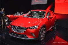 Mazda показала компактный кроссовер CX-3. На автомобильной выставке в Лос-Анджелесе японская компания представила кроссовер Mazda CX-3, нацеленный на тех, кто ищет небольшую модель вроде Nissan Juke, и Opel Mokka. Mazda CX-3 имеет очень знакомый дизайн, который в самой компании называю