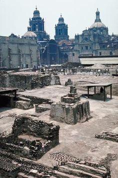 Vestigios arqueológicos del Templo Mayor. Very important to the Aztecs. | pachucochilango.com