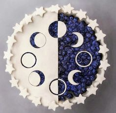 There are some who scoff at creating a pie for dessert with puff pastry. Blueberry pie is just one of my favourite desserts. Whenever your easy blueberry pie is completed, it has to rest until it's about room temperature. Yummy Treats, Sweet Treats, Yummy Food, Tasty, Just Desserts, Dessert Recipes, Pie Crust Designs, Pies Art, Moon Pies
