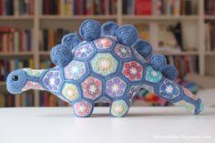 Crochet motif Stegosaurus