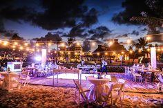 Vintage wedding ata the beach