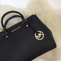 Michael Kors Medium Sutton Satchel Perfect bag for everyday use! 100% authentic, brand new with tags. Comes with a dustbag and does have a crossbody strap as well! NO TRADES OR PAYPAL. MICHAEL Michael Kors Bags Satchels