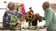 Dramatic Comedy Film QUEEN BEEES Starring Ellen Burstyn and James Caan Opens in Theaters in June   VIMOOZ