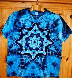Batikované+tričko+L+-+Moře+kvete+Originální,+pánské,+batikované+tričko,+velikostL.+112cm+přes+prsa,+délka70cm,+vysoká+gramáž+180g/m2.+Barveno+kvalitními+barvami,+návod+na+údržbu+bude+přiložen.+Možno+odebrat+a+vyzkoušet+v+Brně. Tie Dye, Tops, Women, Fashion, Moda, Fashion Styles, Tye Dye, Fashion Illustrations, Woman