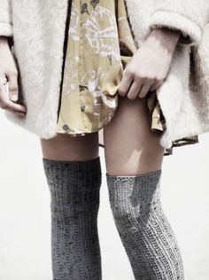 obsessed with tall socks. free people has the best ones Camille Desmoulins, Tall Socks, High Socks, Knee Socks, Style Feminin, Winter Stil, Mode Inspiration, Winter Wear, Zooey Deschanel