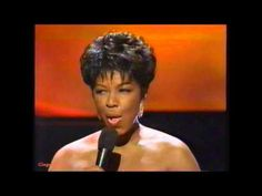 THIS IS HOW WE GRACE THE STAGE WITH AMAZING SHUT DOWN FASHION! YES! MS.Natalie Cole 'Run To You/I Have Nothing'