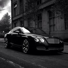 Gorgeous Bentley Continental GT: the only Luxury car I include on my dream cars list.
