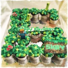 Science of baking. Celebration cakes that stun on looks and taste. Kids Birthday Themes, 8th Birthday, Birthday Parties, Pull Apart Cupcake Cake, Cupcake Cakes, Baking Science, Minecraft Birthday Party, Minecraft Ideas, Celebration Cakes