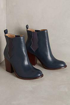 Splendid Magnolia Chelsea Boots