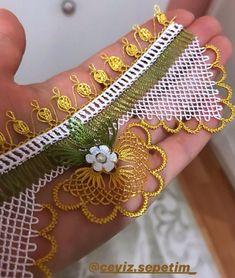 """Instagram'da Elişi sepetim: """"Hayırlı günler dilerim herkese Gold ve yeşilin uyumu 💐 . . REKLAM SAYFALARI DAHİL ALINTI YAPARAK SAYFANIZDA PAYLAŞMAYIN"""" Needle Lace, Bangles, Embroidery, Jewelry, Instagram, Crochet Table Runner, Tricot, Tunisian Crochet, Stitching"""