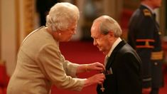 Peter Sallis: Wallace and Gromit actor dies aged 96 Peter Sallis, Last Of Summer Wine, Film World, Tv Detectives, British Comedy, Comedy Films, Classic Films, British Royals, Comedians