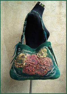 Felt bag Nuno Felting, Needle Felting, Felt Purse, Art Bag, Unique Purses, Green Wool, Green Bag, Felt Art, Purses And Handbags