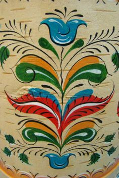 Folk Uftyug painting from Northern Russia. A floral pattern on the birch bark. Tesselations, Russian Folk Art, Birch Bark, Rest Of The World, Flower Patterns, Flower Art, Rooster, Mandala, Texture