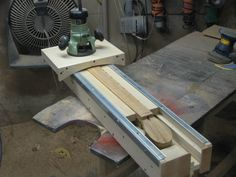 concave router jig for radiusing fretboards