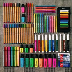 School supplies tips and tricks. Back to school. Stationary Store, Stationary School, School Suplies, Stabilo Boss, Cute School Supplies, School Supplies Organization, Cute Stationery, Study Inspiration, Study Motivation